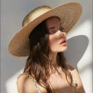 • straw wide brim boater hat •